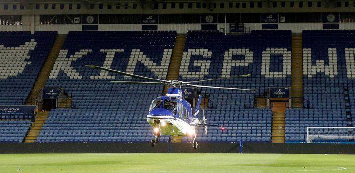 Momento del despegue del helicóptero del presidente del Leicester que segundos más tarde sufriría un accidente mortal.
