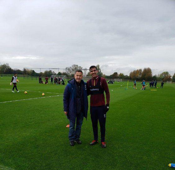 Osorio y Balbuena en el entrenamiento del West Ham.