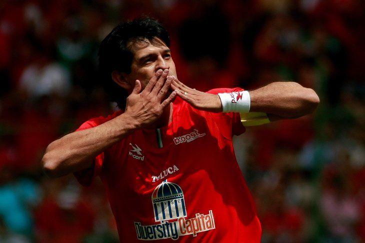 Diablo Mayor. José Saturnino Cardozo celebrando uno de sus tantos goles en México.