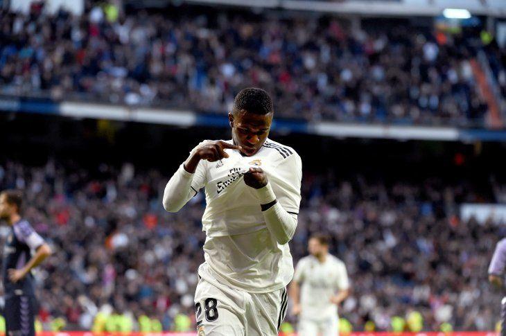 Vinicius celebra el primer gol del partido.