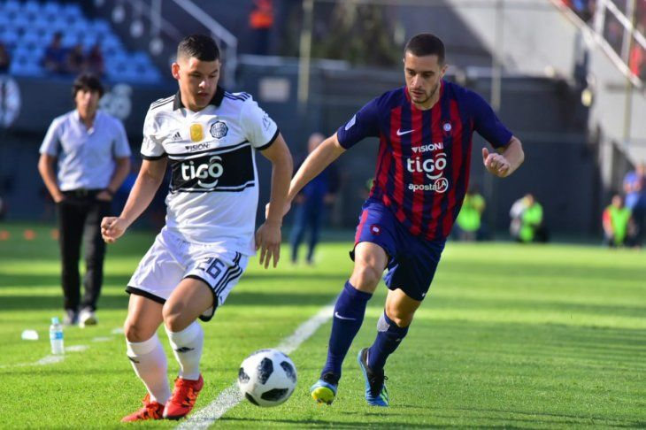 Olimpia y Cerro juegan el clásico en Sajonia.