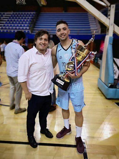 San José recibió el trofeo como campeón 2018.