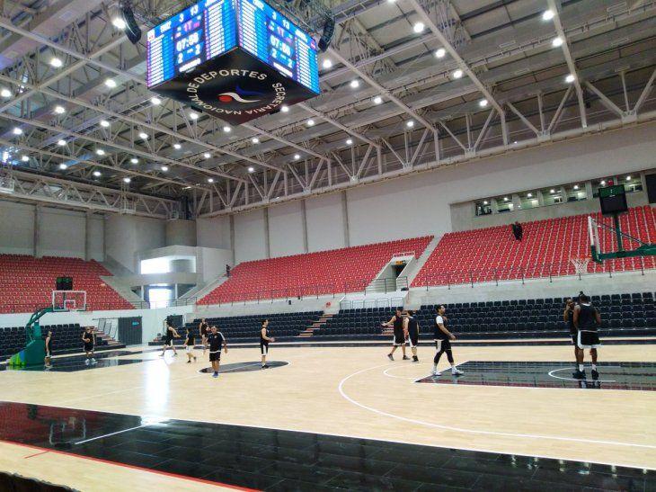 Puesta a punto. El Decano se moviliza en el SND Arena.