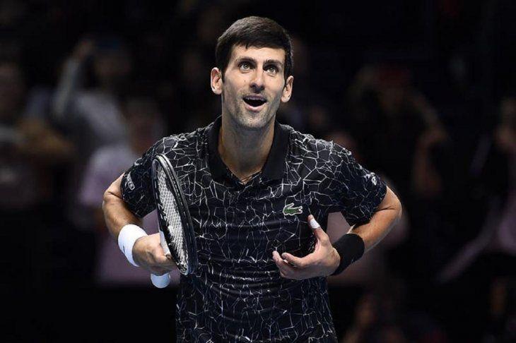 Djokovic vence a Cilic y acaba la primera fase invicto.