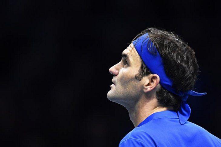 Federer sobre los abucheos a Zverev: Sascha no se lo merece.
