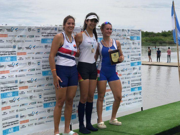 Nicole Martínez gana oro en Remo.