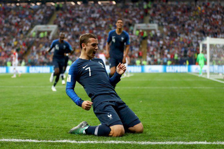 Francia mide a Uruguay en amistoso.