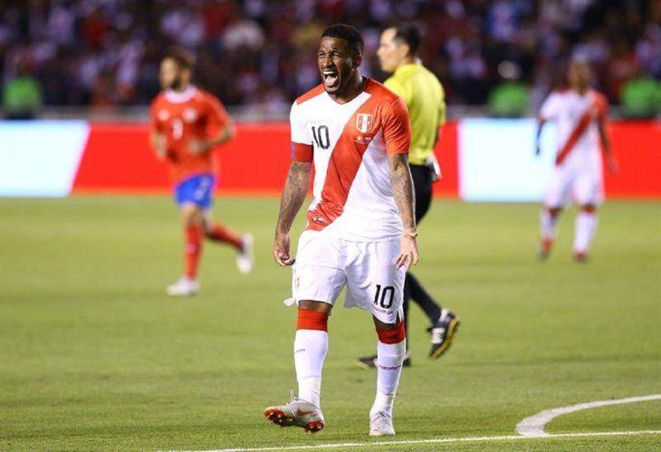 Costa Rica sella un triunfo ante un Perú que mereció mejor suerte.