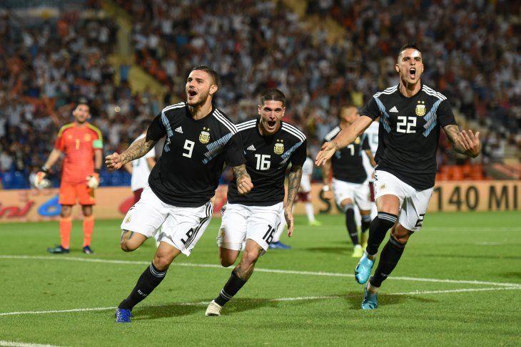 Mauro Icardi marcó uno de los goles ante México.