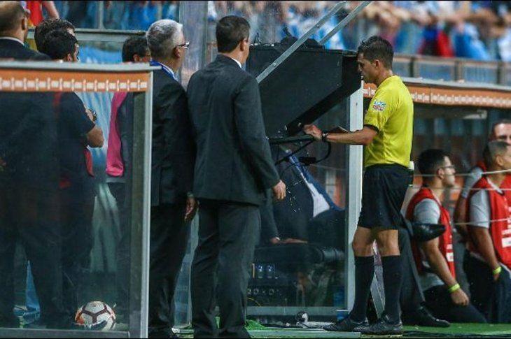 El VAR podría hacer su debut en los penales.