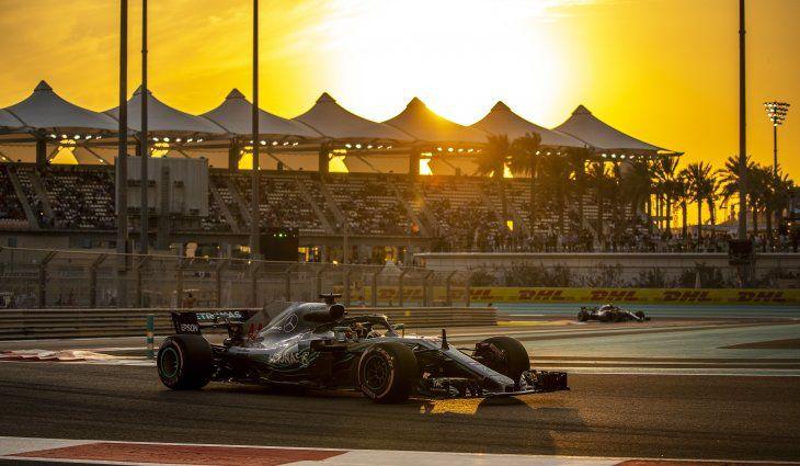 Mercedes copó la primera fila de Abu Dhabi.