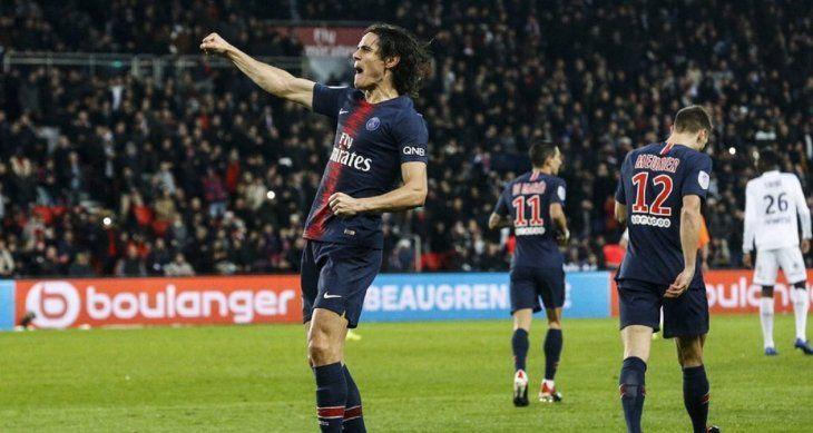 Edinson Cavani celebrando su gol ante el Toulouse.