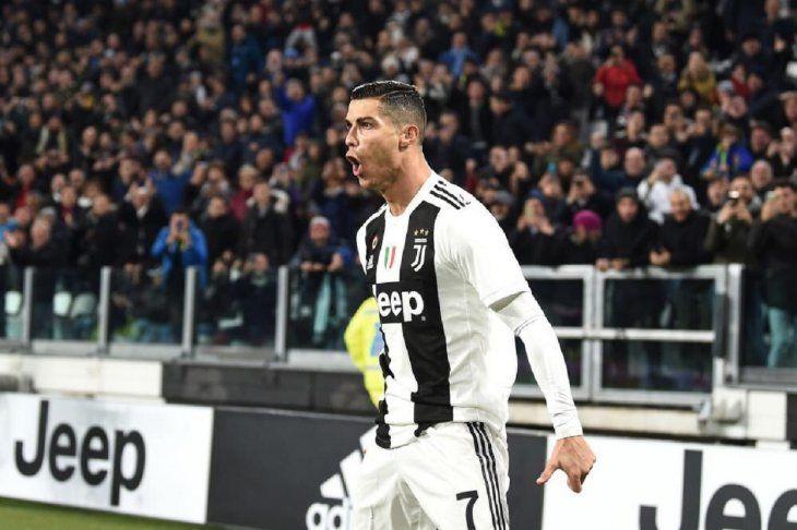Cristiano Ronaldo celebrando el primer gol de la Juventus ante el SPAL.