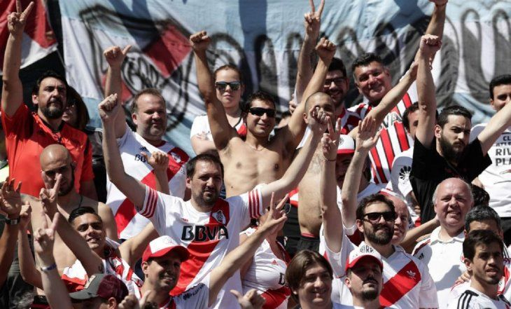 Conmebol decide jugar el River - Boca