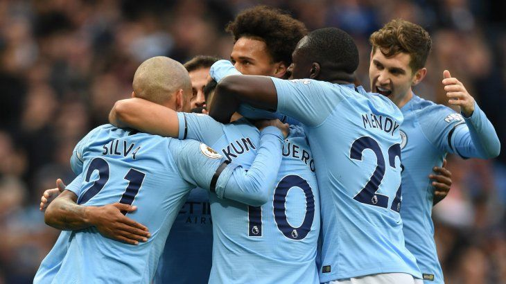 Manchester City sigue liderando la Premier League.