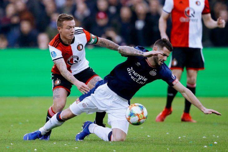 Feyenoord venció al PSV en el clásico holandés.