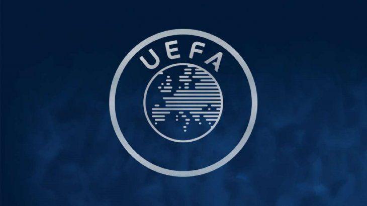 La UEFA aprueba una tercera competición de clubes en el periodo 2021-24.