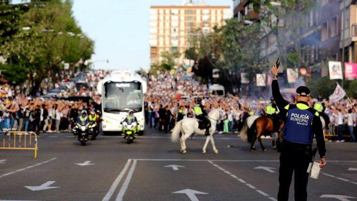 Celebración de un partido de alto riesgo en el estadio Santiago Bernabéu.