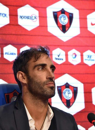 Roberto Nanni fue presentado en conferencia de prensa.