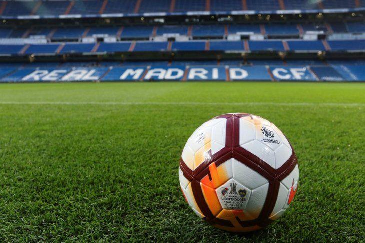El Bernabéu espera por el gran partido.