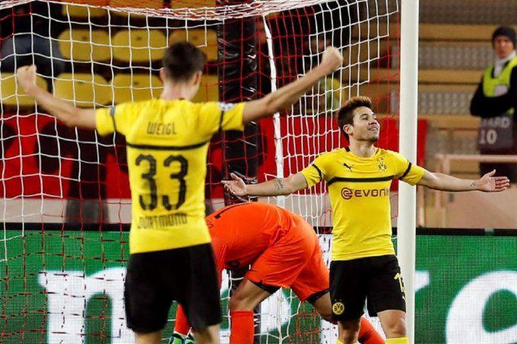 Jugadores del Borussia Dortmund celebran un gol ante Mónaco.