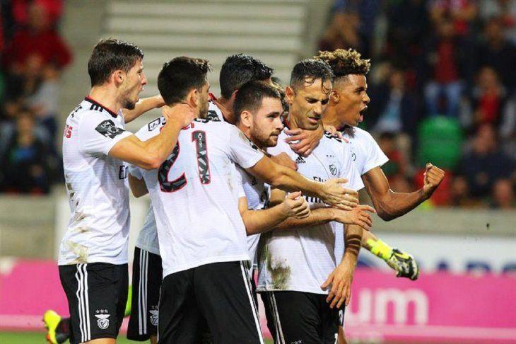 El Benfica gana al Marítimo y se coloca tercero.