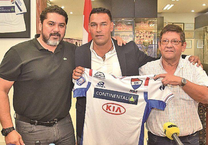 El entrenador argentino se queda en Barrio Obrero.