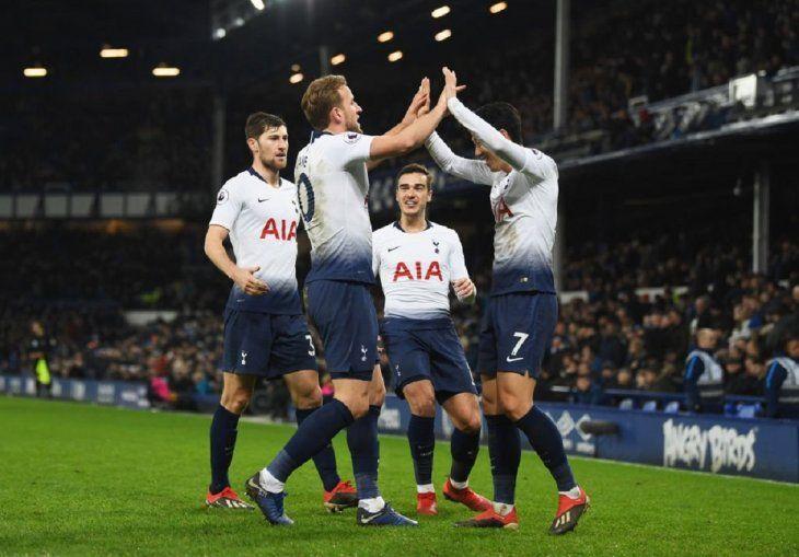 El Tottenham remonta