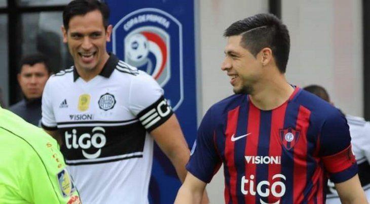 Rodrigo Rojas y Roque Santa Cruz jugarán juntos en Olimpia.