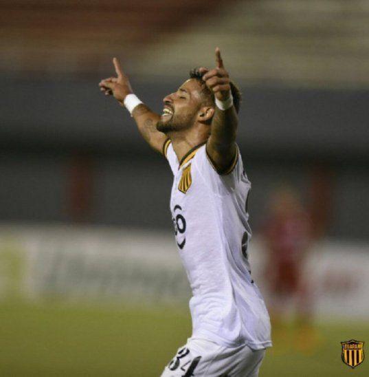 Gabriel Esparza no renovará con Guaraní.