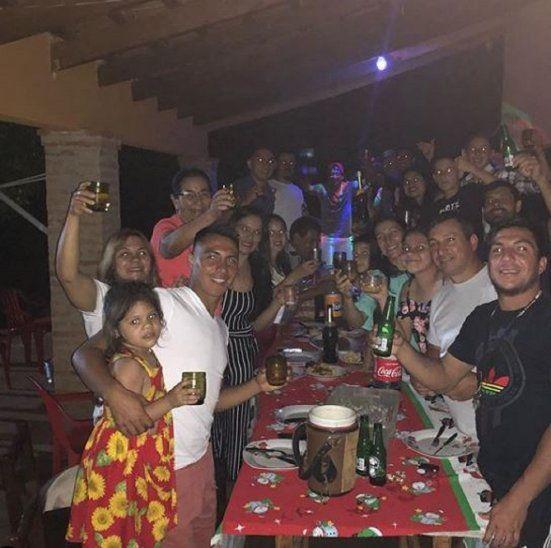 Lucena brinda con su familia en Nochebuena.