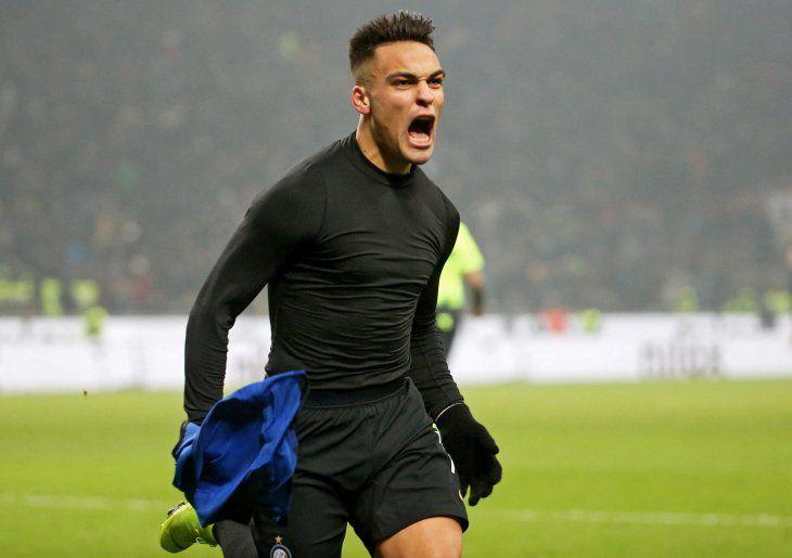 Lautaro Martínez festeja su gol sobre el final.