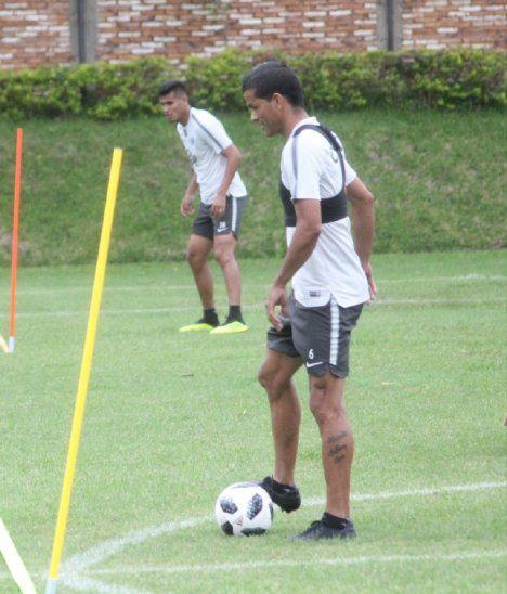 Salustiano Candia es nuevo jugador de Cerro Porteño.