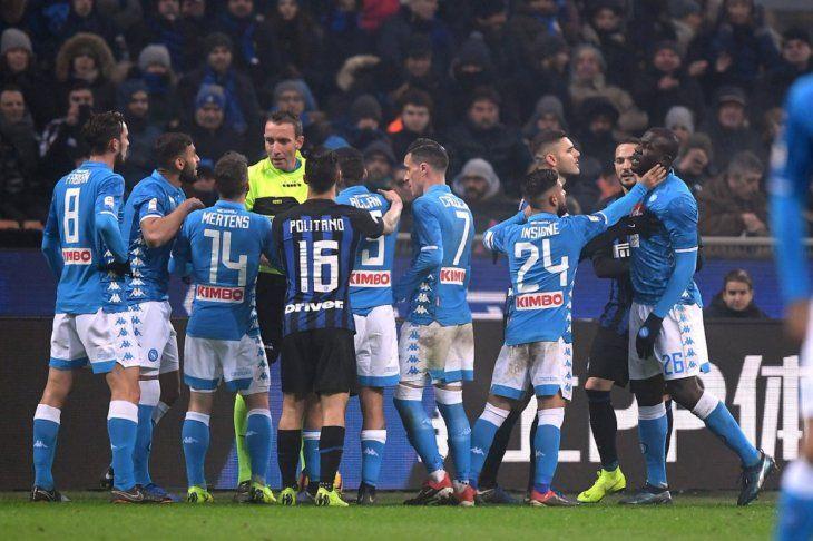 Inter jugará dos partidos a puerta cerrada por racismo y otro sin la Curva.