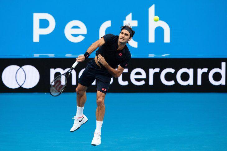 Federer superó al francés Tiafoe por 6-4 y 6-1.