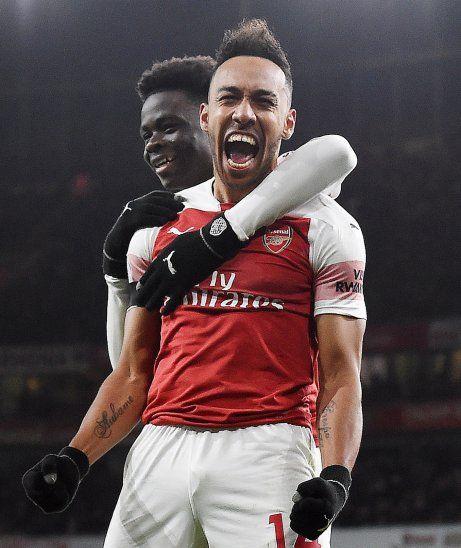 Aubameyang grita su gol frente al Fulham.
