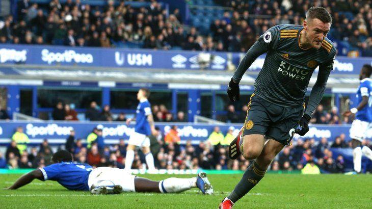 Jamie Vardy celebrando el gol del triunfo del Leicester ante el Everton.
