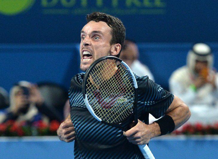 Bautista generó sorpresa al derrotar a Djokovic.