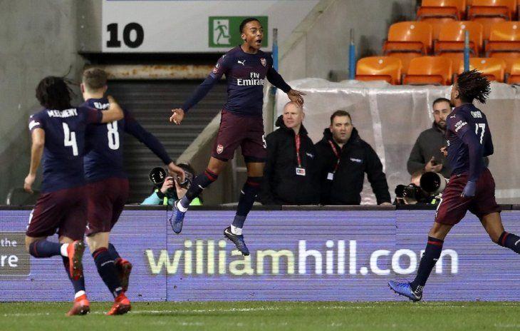 El Arsenal también avanza de ronda en la FA Cup.