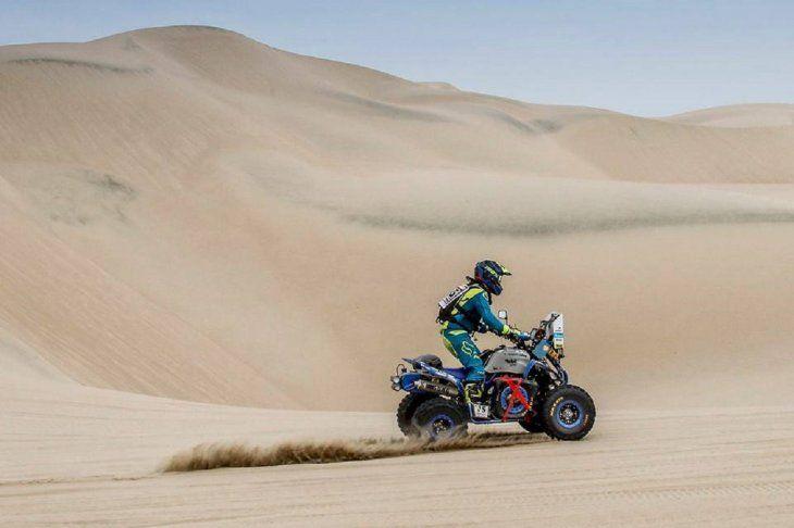 Nelson Sanabria sigue avanzando sobre las dunas peruanas.