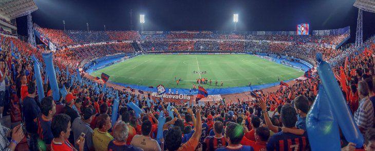 Miles de hinchas azulgranas coparán las gradas del Gral. Pablo Rojas.