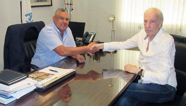 César Luis Menotti junto al presidente de la AFA