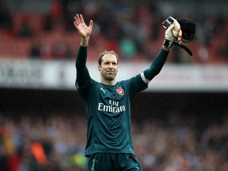 Petr Cech anunció su retiro del fútbol al final de temporada.