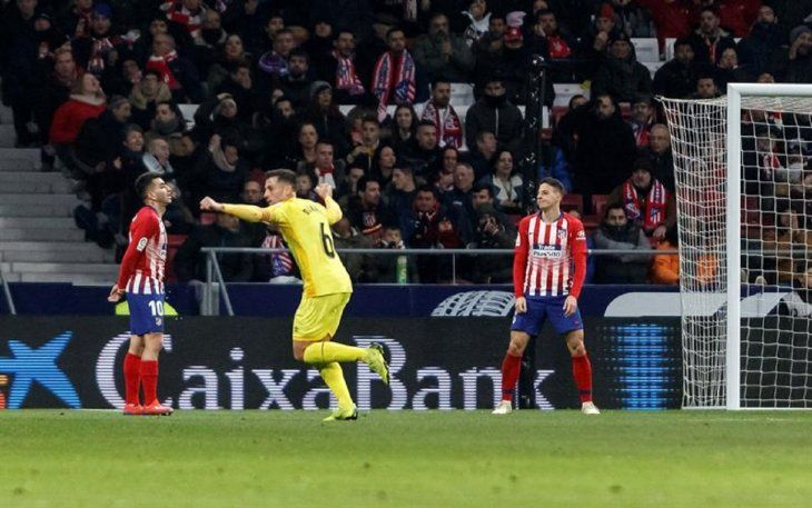 Alejandro Granell (c) celebra uno de los goles del Girona.