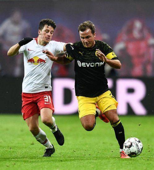 Dortmund gana y mantiene su ventaja como líder.