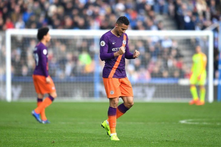 El Manchester City continúa al acecho del Liverpool