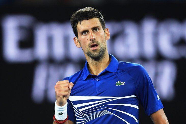 Djokovic pasa con oficio y Zverev cae ante Raonic