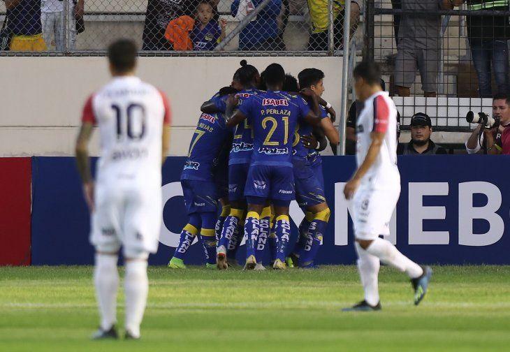 Delfín derrotó a Nacional en Ecuador.