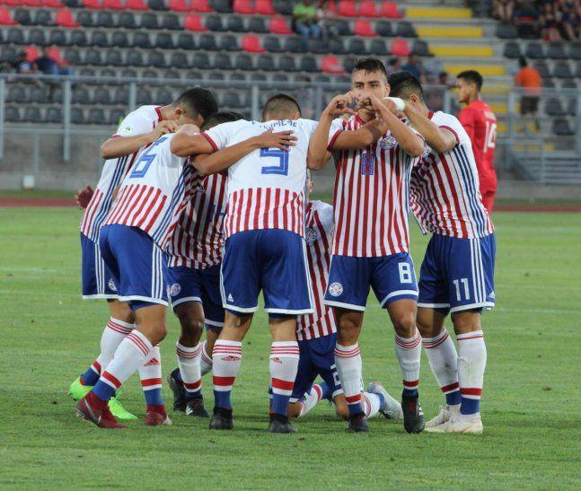 Relució. La Albirroja mostró un buen rendimiento en el triunfo del martes ante Perú