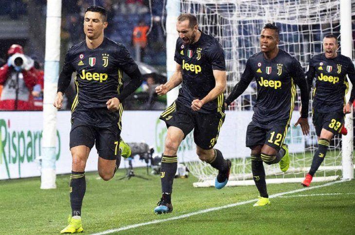 Ronaldo celebra una anotación marcada al Lazio.